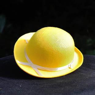 De gele hoed - zonnig en positief