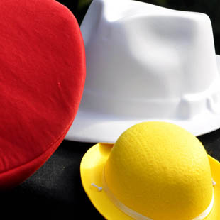 Welke kleur hoed zet jij vandaag op?